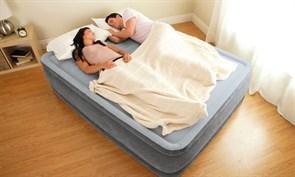 Надувная кровать Intex 64414 со встр. насосом 220В (152х203х46)